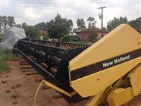 PLATAFORMA DE SOJA TC 59 MARCA NEW HOLLAND ANO 2004