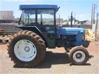 Trator Ford/New Holland 5600 4x4 ano 80