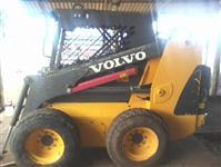 Trator Carregadeiras BOB CAT VOLVO  4x4 ano 10