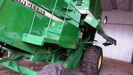 Colheitadeira Agrícola, Marca John Deere, Modelo 1175, ano 2003