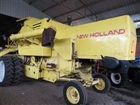 Colheitadeira Agrícola, Marca New Holland, Modelo 4040, ano 1987