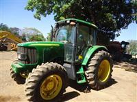 Trator John Deere 6415 4x4 ano 04