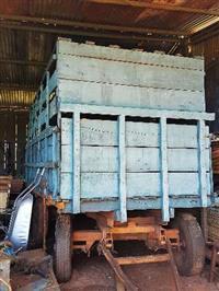 Carreta Agrícola e Boiadeira com 04 rodas,  para 4.000 Kg