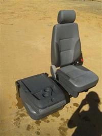 Assento carona Ford 1719/2013 novo!! 02 peças