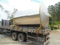 Tanque aço inox 25,000 litros  com 6 pés de apoio e boca de inspeção lateral