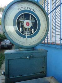 Balança Mecânica p/ Frigorífico e outros 100 kilos escala 100 gramas c/ carrinho