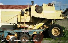 COLHEITADERA NEW HOLLAND MODELO: 5050 ANO: 86