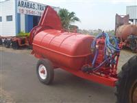 Pulverizador Marca FMC capacidade 2000 lts. equipado com bicos Bijet e volute
