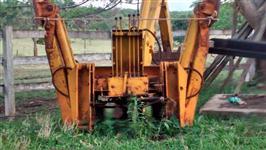Retro Escavadeira MF usada