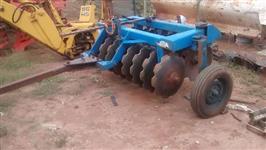 Grade aradora 16x26 com pneus para transporte