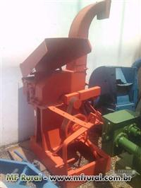 Picadeira de cana VM 3T com base de hidráulico
