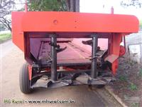 Carreta distribuidora de esterco sólido Siltomac 6000 kg