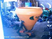 Semeadeira e adubadeira de hidraulico cap.600kgs, marca INCOMAGRE NOGUEIRA