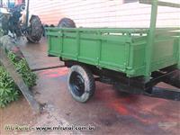 Carreta 2 rodas de madeira usada