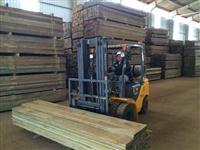 Vigas e Tábuas - Madeira de Pinus Tratado para uso permanente