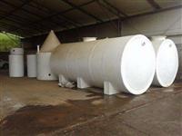 8 tanques de Fibra de Vidro e Braçadeiras de Andaime