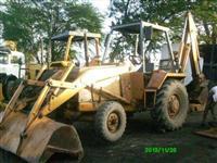 RETROESCAVADEIRA CASE 580 ANO 1996