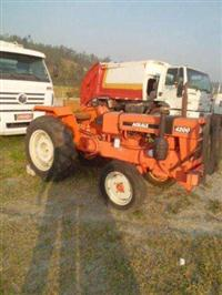 Trator Agrale 4200 4x4 ano 86
