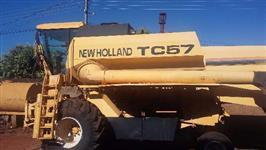 Colheitadeira TC 57 ANO 2003