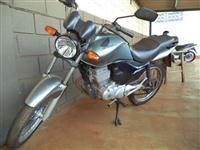 MOTO HONDA CG 150 - COR PRATA - ANO 2011