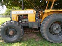 Trator CBT 8060 4x4 ano