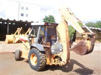 Retro-escavadeira Case 580L 2006 4x4