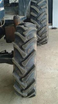 Trator Ford/New Holland TL75 4x4 ano 03