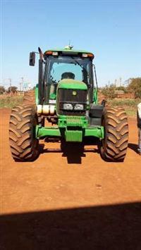 Trator John Deere 6145 J 4x4 ano 11