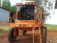 PULVERIZADOR JACTO 3000 LITROS HIDRO 4X4 ANO 2004 27 METROS DE BARRAS COM GPS