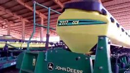 Plantadeiras JD Modelo 2117 CCS 15 linhas de 50cm ano 2011