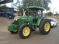 Trator John Deere 5700 4x4 ano 00