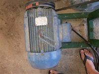 Motor eletrico de 7,5 cv 1,100 rpm trifasico 220/380