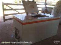 Caixa para transporte de peixes Bernauer 1600 litros