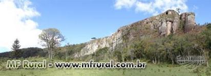 Fazenda com 86 hectares,casa, mangueira, muita pastagem, lagos e montanhas