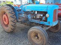 Trator Ford/New Holland Major 4x2 ano 64