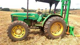 Trator John Deere 5403 4x4 ano 03