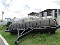 Rolo pneu compactar semente capim