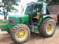 Trator John Deere 6110 4x4 ano 10