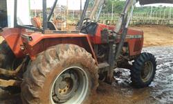 Trator Ford/New Holland 275 4x4 ano 05