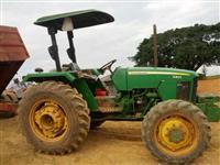 Trator John Deere 5303 4x4 ano 02
