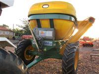 Transbordo Rebocável para Cereais e Adubo marca TATU modelo TCA 16000 CP