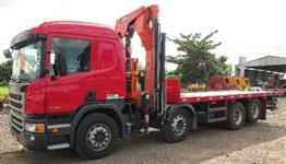 Caminhão  Scania P 310 8x2 ano 2014 com Munck   ano 14