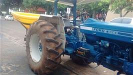 Trator Ford/New Holland 5600 4x2 ano 85