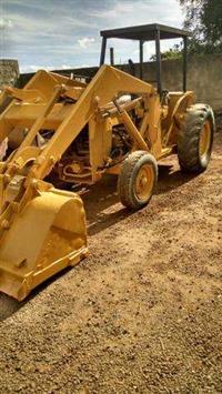 Maquina Pá Carregadeira Massey Ferguson 65R Pula Pula areia e pedra
