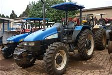 Trator Ford/New Holland TL85 4x4 ano 04