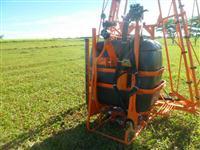PULVERIZADOR 600 LTS COM BARRA AUTOMATICA 14 MT