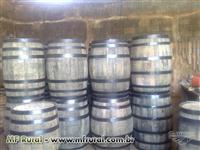 Toneis e barris de carvalhos e  equipamentos para álcool