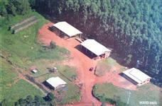 Sítio escriturado com duas casas e serraria de toras aceito caminhão
