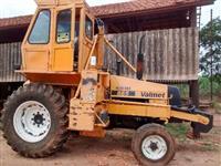 Trator Carregadeiras Santal 4x2 ano 93