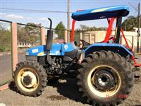 Trator Ford/New Holland 4500 4x4 ano 12